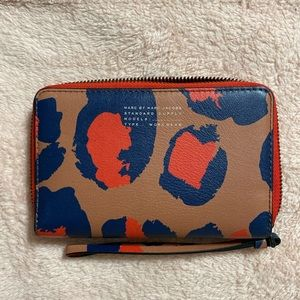 Marc by Marc Jacobs zip phone wallet